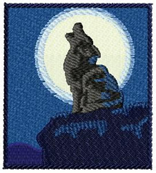 Wolf Howling Crest embroidery design
