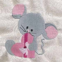 Valentine Mouse With Heart embroidery design