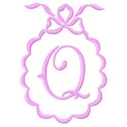 Scalloped Monogram Q embroidery design