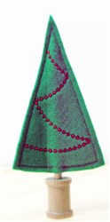 Felt Berry Garlanded Christmas Tree embroidery design