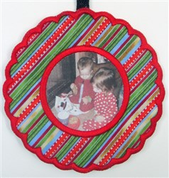 ITH Christmas Fabric Frame 2 embroidery design